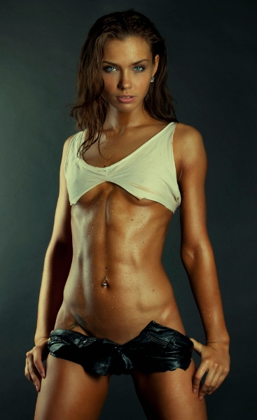 Female Abs Motivation - 25 Pics Of Women With Sculpted Abs ...