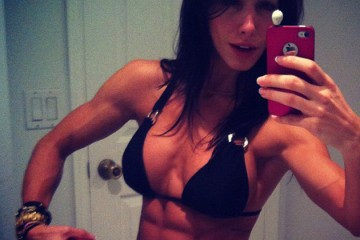 Bella-Falconi-Abs-Pics
