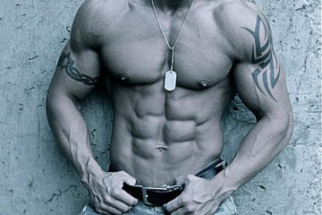Chris-Harnell-Physique-Abs