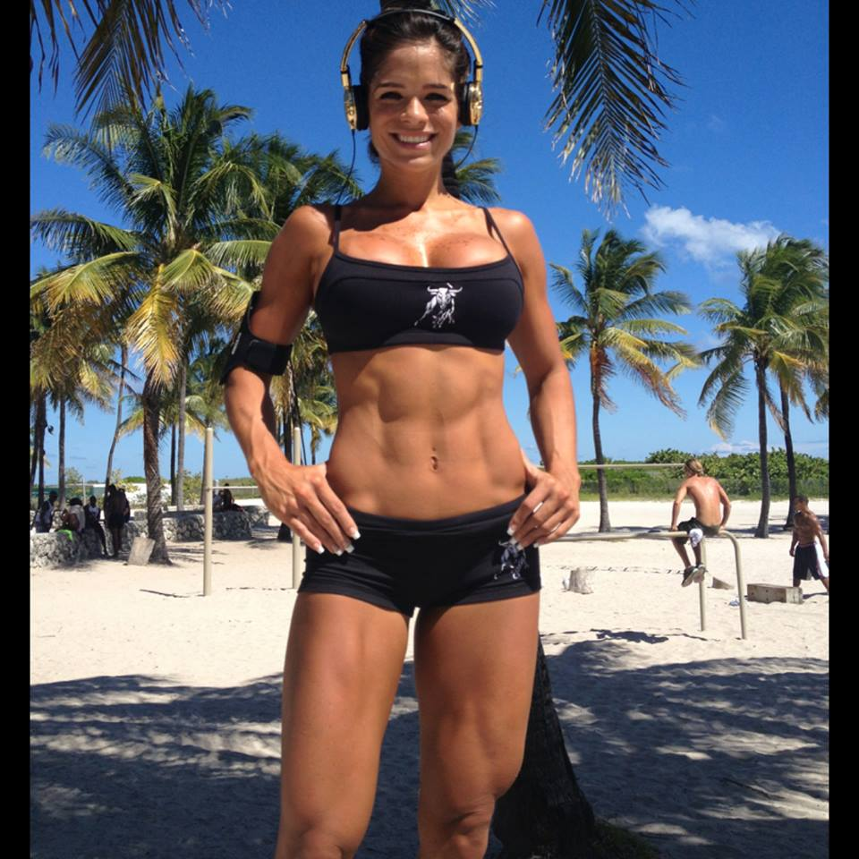 Fitness Model Michelle Lewin