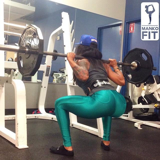Mankofit-squatting