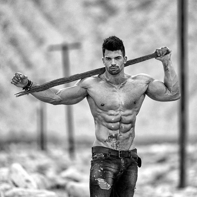 Sergi Constance – The Best 46 Pics Of This Shredded Spanish Fitness
