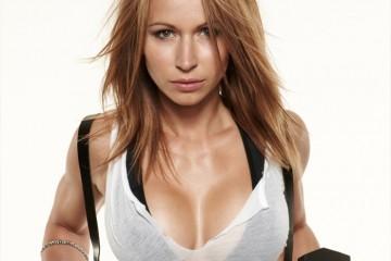 zuzana-light-fitness-model