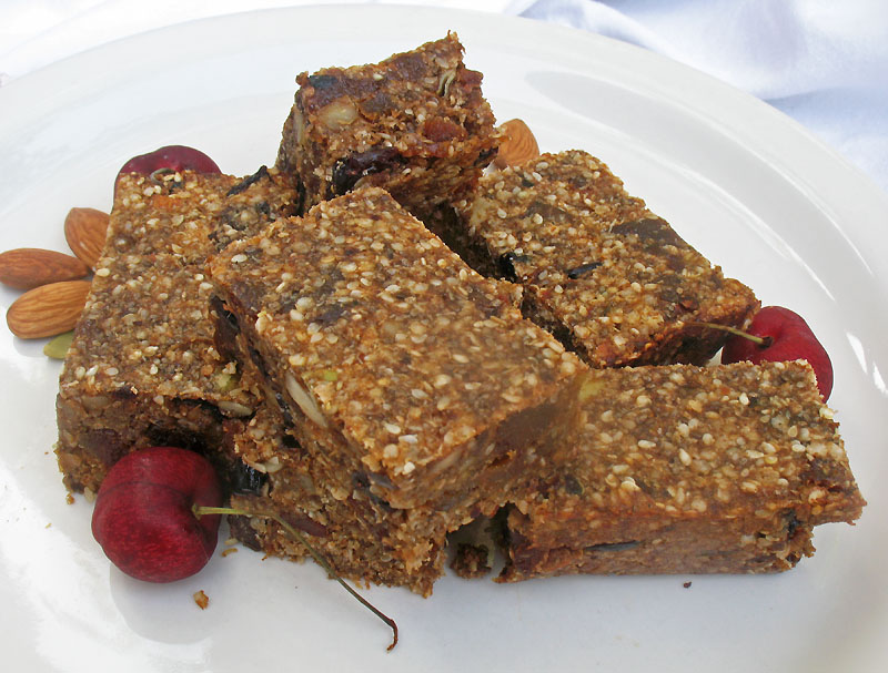 13. Quinoa Nut & Fruit Bar