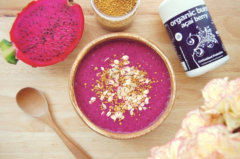 15. Dragon Fruit, Banana and Açai Smoothie Bowl
