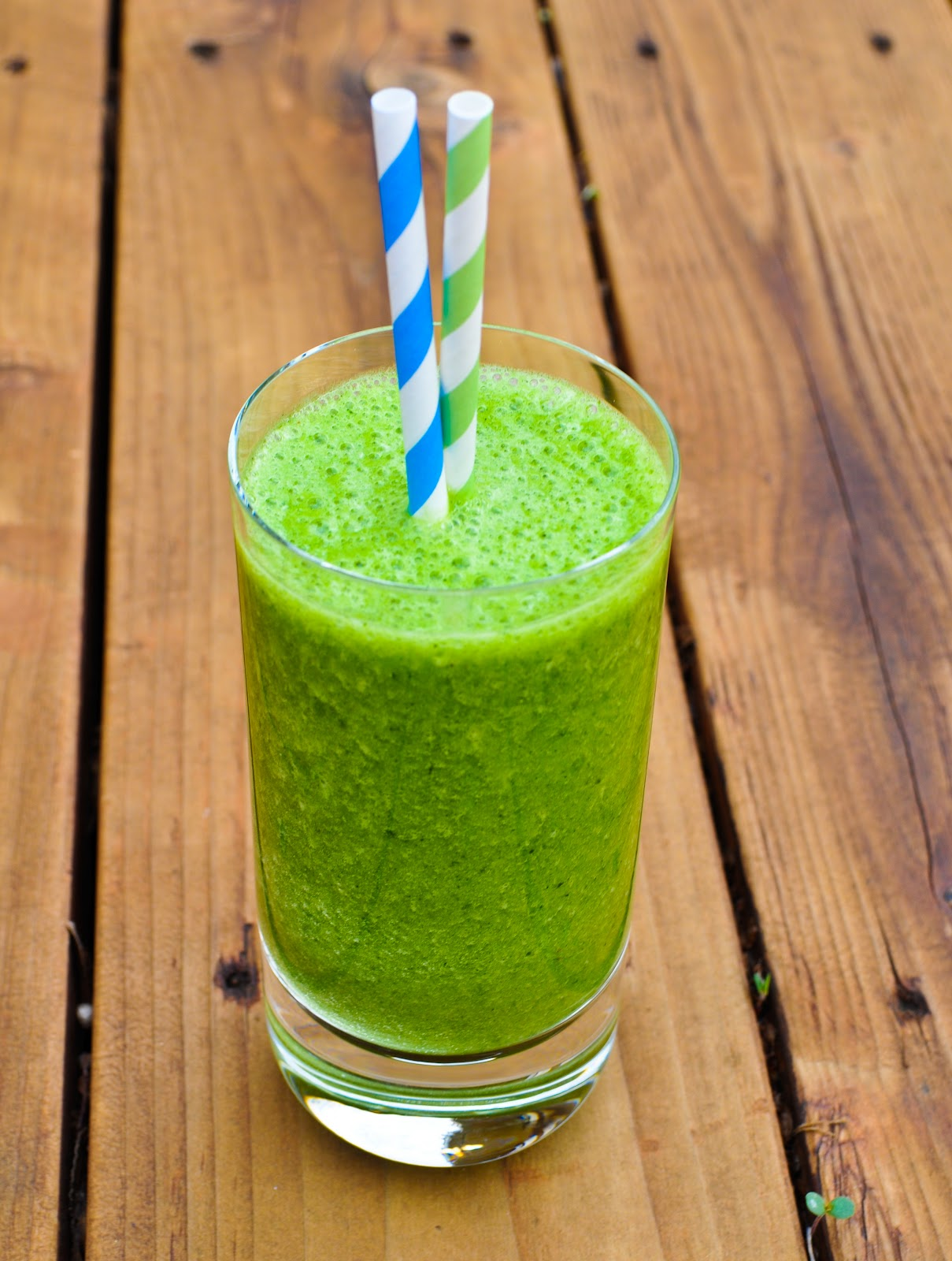27. Kale & Pineapple Smoothie