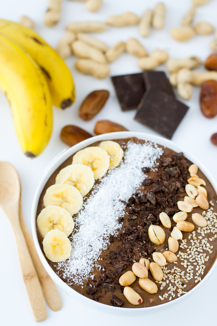 3. Chocolate Peanut Butter Smoothie Bowl