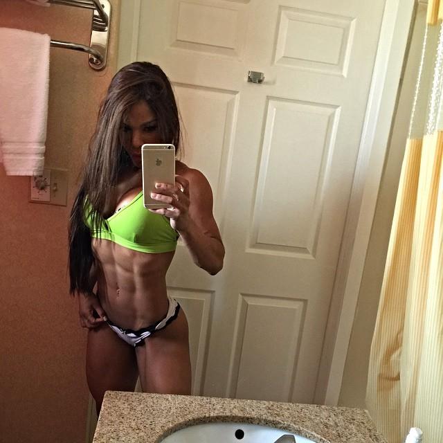 Yarishna Ayala2