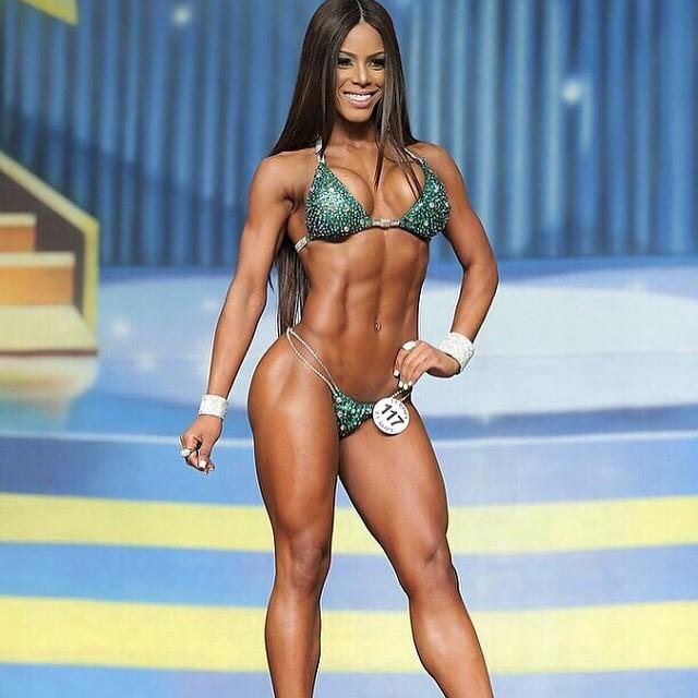 Yarishna Ayala26