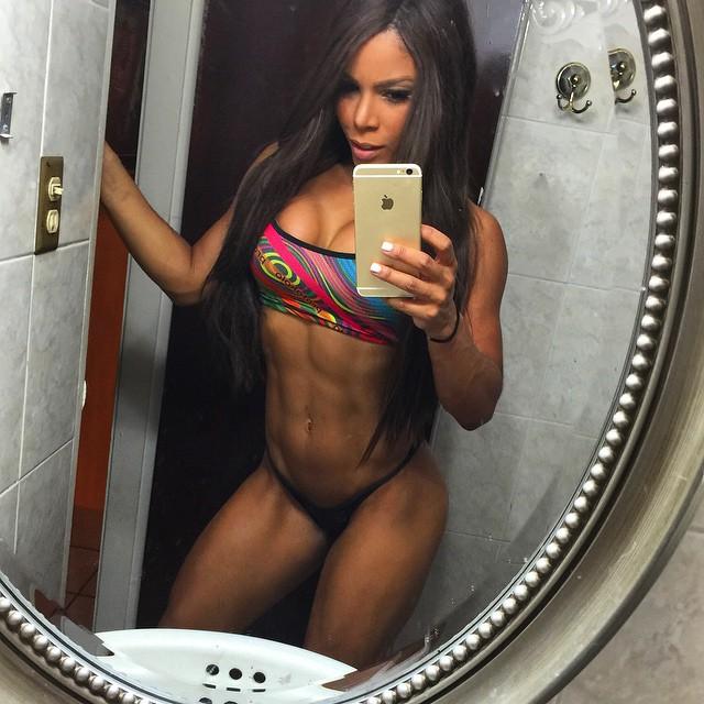 Yarishna Ayala27
