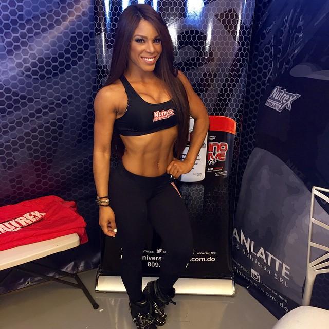 Yarishna Ayala29