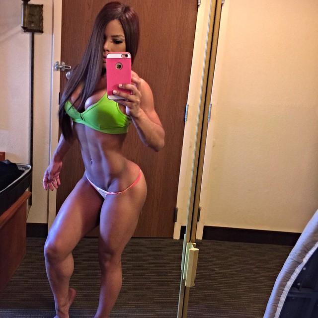 Yarishna Ayala3