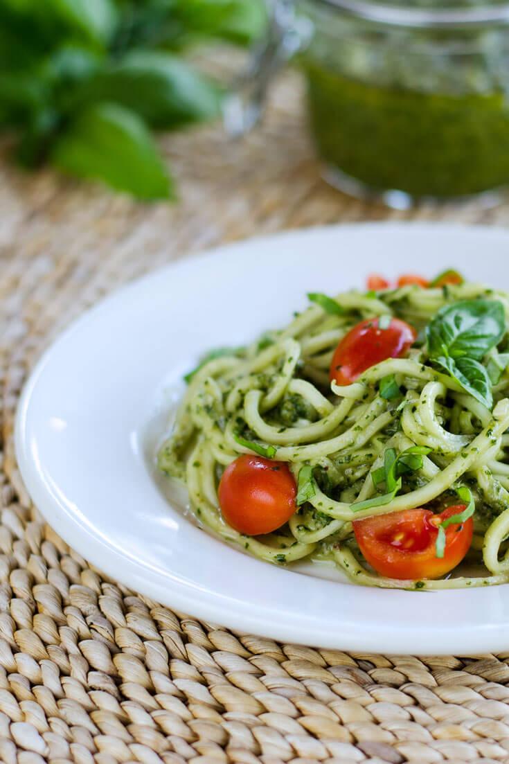 zucchini-pasta-pesto-735x1103