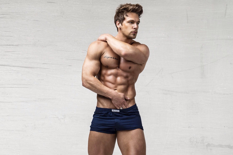 Celebrity Personal Trainer Joss Mooney's 33 Best Instagram Pics!