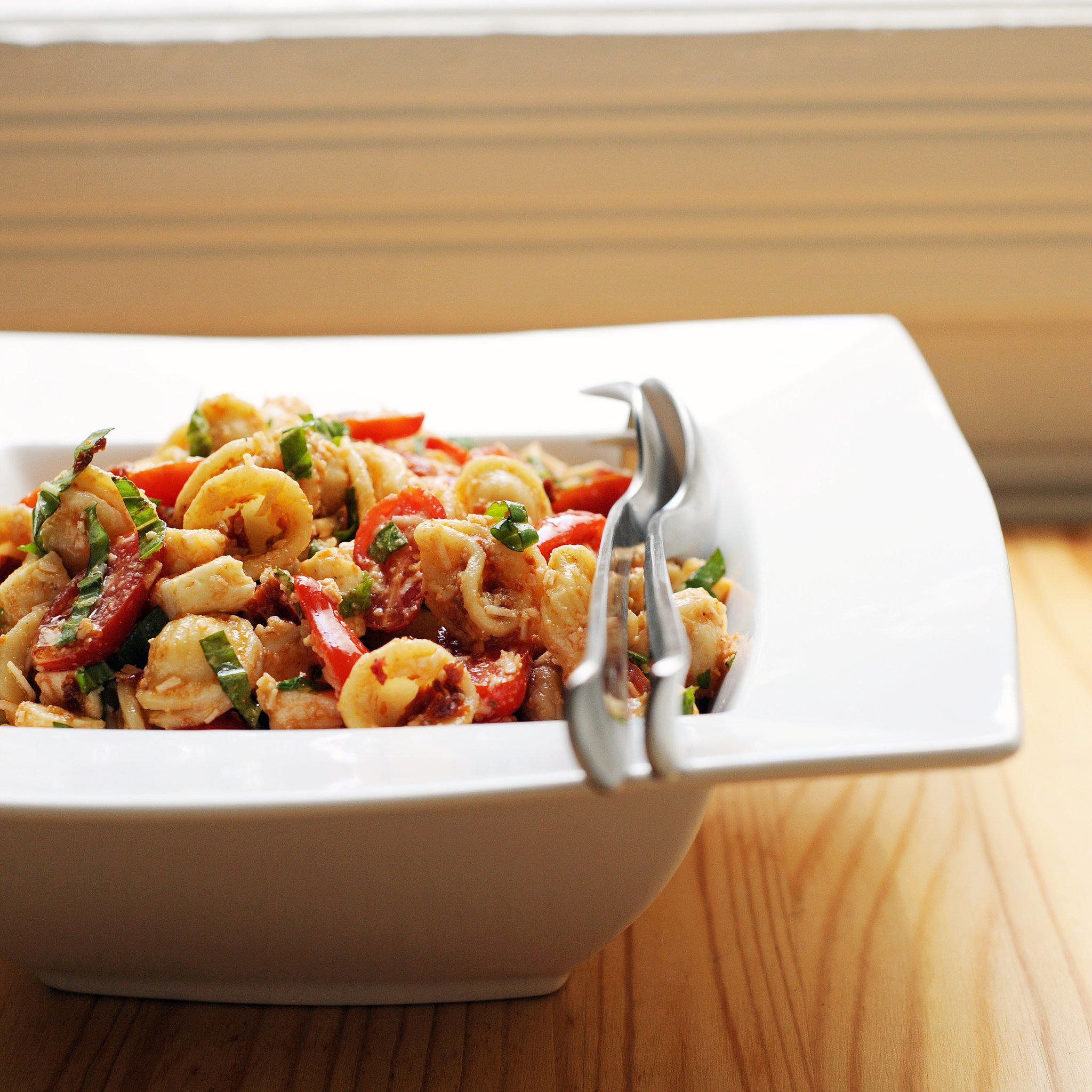 2. Sun-Dried Tomato Pasta Salad