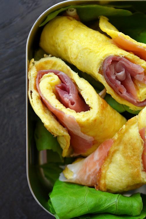 Prosciutto & Egg Roll-Ups