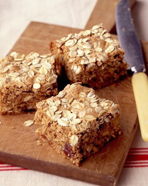 59. Oatmeal Bars with Dates and Walnuts