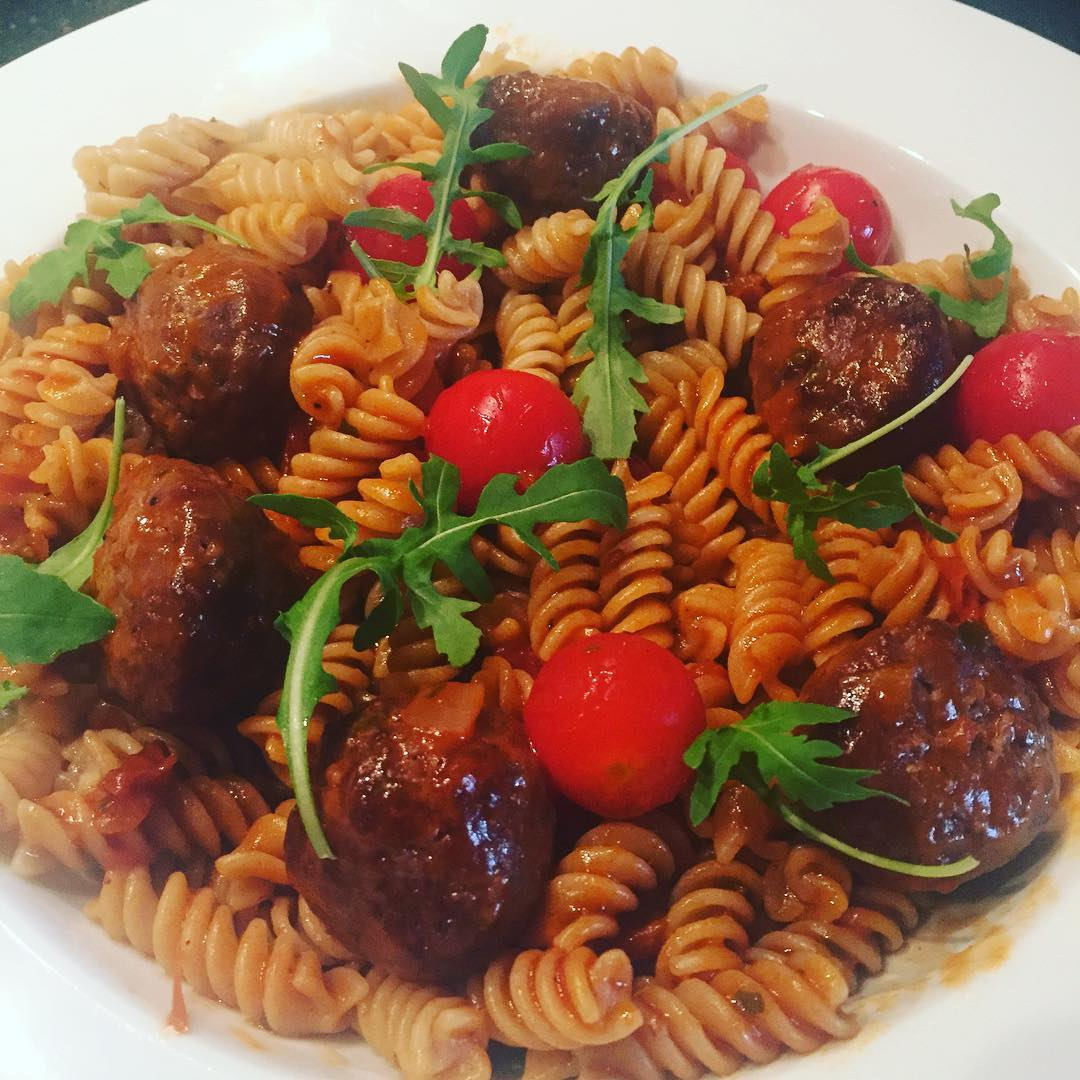 lean-beef-meatballs-whole-gran-pasta