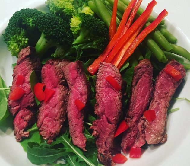 lean-steak-with-chilli-and-green-vegetables