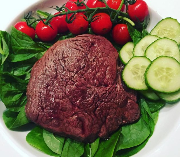 lean-steak-with-spinach-vine-tomatoes-and-cucumber