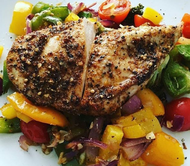 mixed-herb-chicken-on-a-bed-of-mixed-vegetables